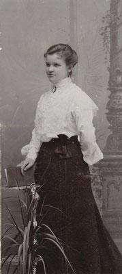Paula Holm