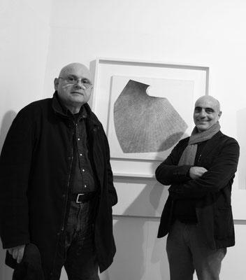 2016 - Enzo Cursaro con il critico Gian Ruggero Manzoni al Museo d'Arte Moderna di Pescara.
