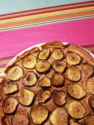 domaine de Millox, en dessert une tarte aux figues du jardin