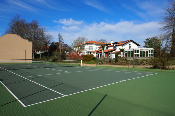 Domaine de Millox vu depuis le terrain de tennis