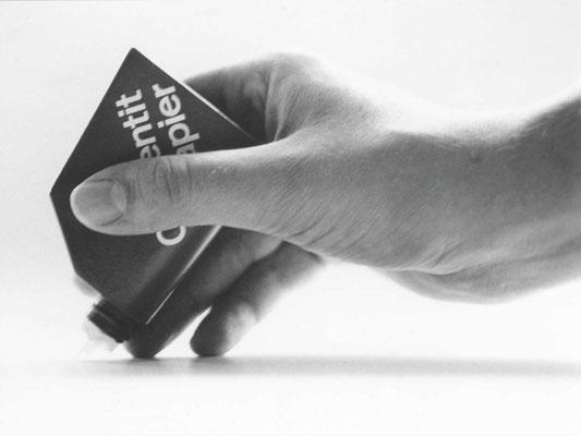 leimgeber mit auftragspachtel, in zusammenarbeit mit roberto medici, solothurn, 1972
