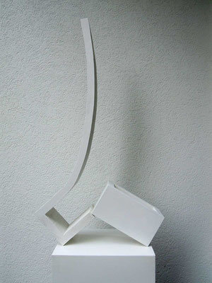 gleichgewicht öffnend, 1992, holz weiss lackiert, 14x55x96