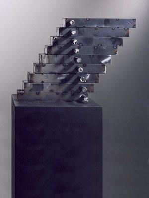 gegengewicht, 1994, stahlblech, 20x42x36