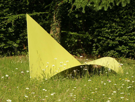 gelbes blatt, 1975, stahlblech 300x160x130h