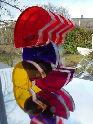 rollade, 2019, plexiglas farbig, 16x24 cm, stefan sieboth