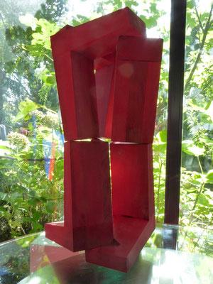 überlappung in holz, 2019, h70, 36 x 36 cm, stefan sieboth