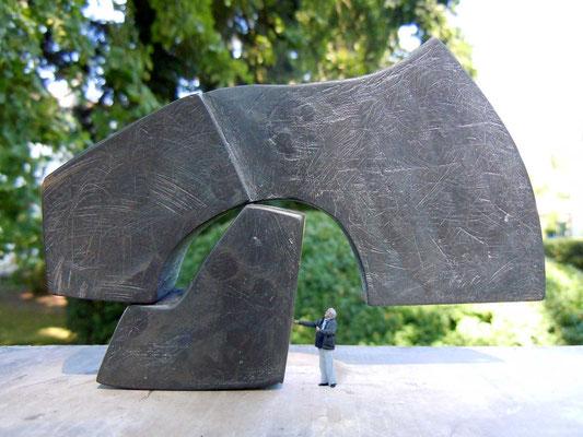 polyakoff-beil, 2013, bronze, b 13.4, h 8.7 modell für grossplastik