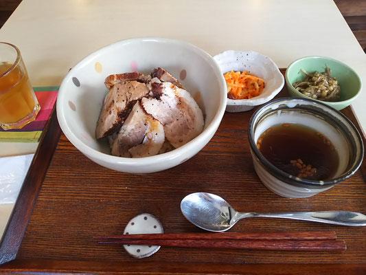 紅茶煮豚丼ランチ