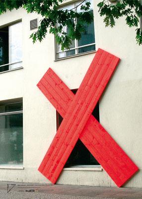 "Kiki Gebauer, ""ZUSCHLAG"", Holz, Acryl, 400 x 330 cm, 2010"