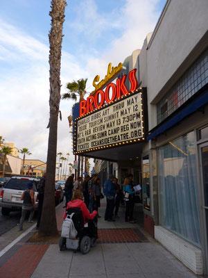 Entrée du Brooks Theater d'Oceanside
