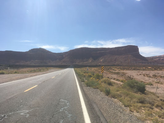 Sur la route de Monument Valley (Uah)