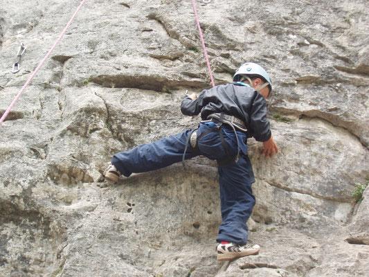 activité sportive : l'escalade, très appréciée par les groupe scolaires