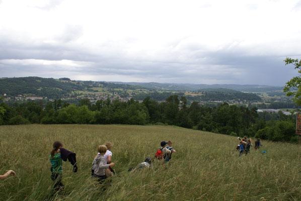 Randonnée au cœur du Périgor Noir avec un groupe scolaire