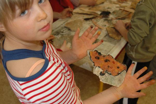 Les joies de la peinture : découverte de l'art pariétal en salle d'activité