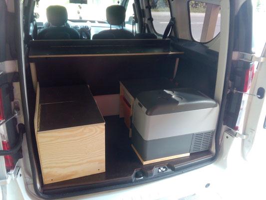 Kompressor und Sitzkasten