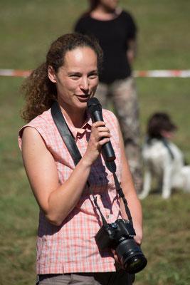 Die Begrüßung der Hundeführer, Richter und Gäste erfolgte durch die stellvertretende Vereinsvorsitzende Anett Nollau.