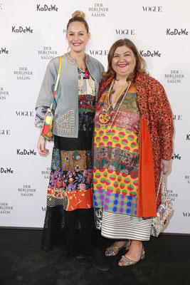 Rianna Nektaria Kounou and Nina Kuhn