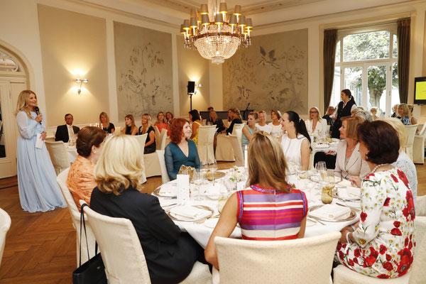 Society Relations Ladies Lunch im Louis C. Jacob Hamburg zugunsten der Stiftung Deutsche Schlaganfall-Hilfe