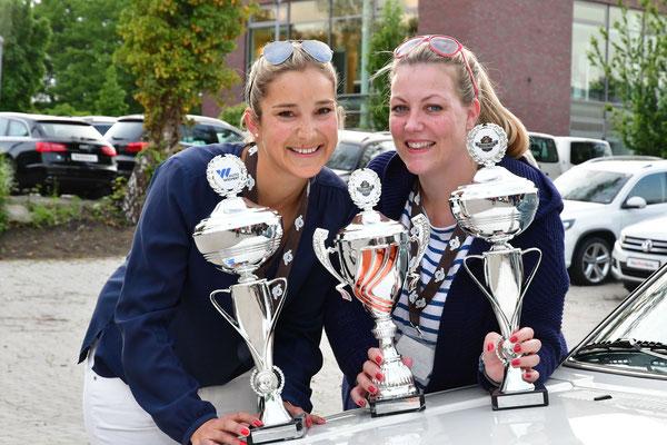 Siegerinnen Damenpokal in der Gesamtwertung und in ihrer Klasse: Annkatrin Tietgen und Nina Emmer
