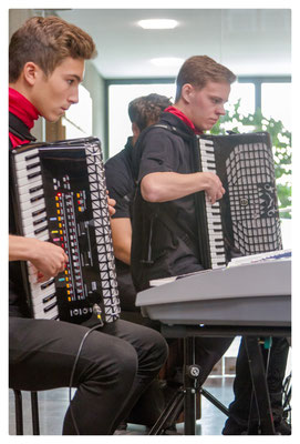 Ensemble Hohner Handharmonika und Akkordeon Club Reutlingen