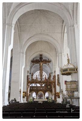Dom mit Triumphkreuz