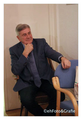 #Dr. Berényi János György  Konzul