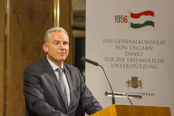 Generalkonsul Thomas Strobl • Minister für Inneres