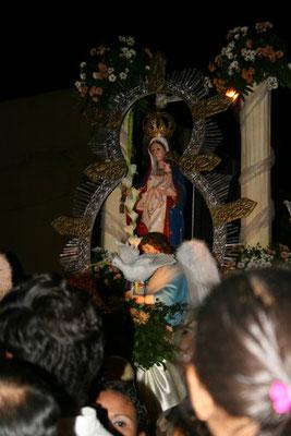Ay va! La Virgen!