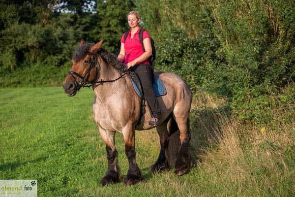 Pferdeshooting - August 2015 in Dinslaken - Nach dem Shooting durfte ich das Model reiten :) - Foto: Jessica Schmidt