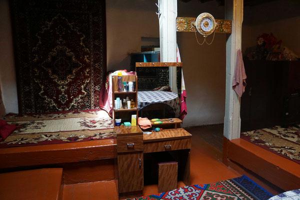 Im Wohn-Schlafzimmer, in welchem auch Gäste beherbergt werden...