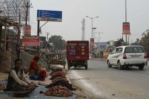 Dann der erste Wegweiser nach Varanasi...