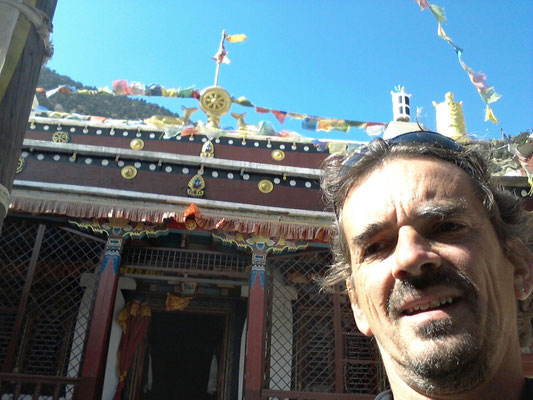 Marpha - Patrik vor Tempel