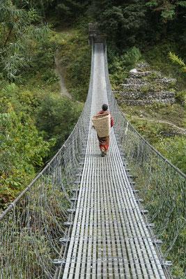 Eine der unzähligen Hängebrücken, die ich passiere....