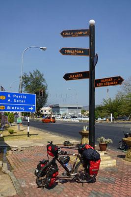 Auf dem Weg Richtung Süden - bis Singapura noch 694 km (Luftlinie nehme ich an...).