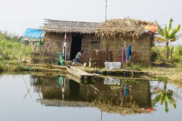 Schwimmendes Haus auf dem Loktak Lake...