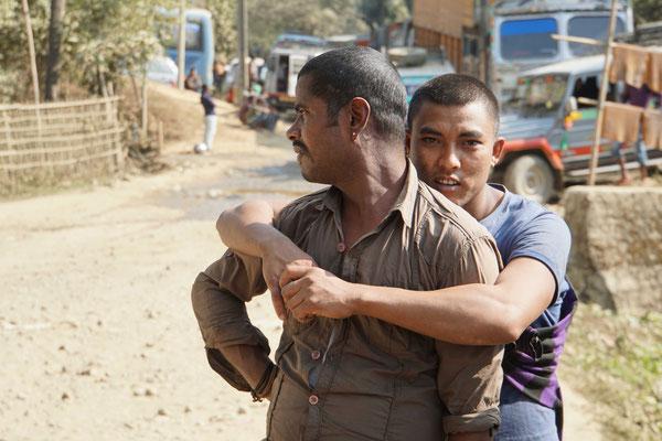 In Indien pflegen Männer sehr oft einen auffällig nahen Kontakt  - es sei aber reine Freundschaft...