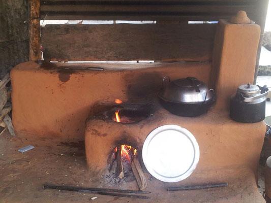 """So soll der spätere Herd / Ofen im neuen Haus aussehen - Musterfoto in einem Nachbarhaus """"schiessen"""" dürfen - Surat's Meinung zum Termin:  Eines nach dem Anderen"""