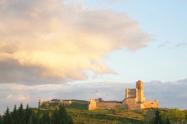 Die Burg von Benabarre in der Abendsonne - dramatisch schöner Ausblick aus dem Zelt - ... - Schöner Wohnen...