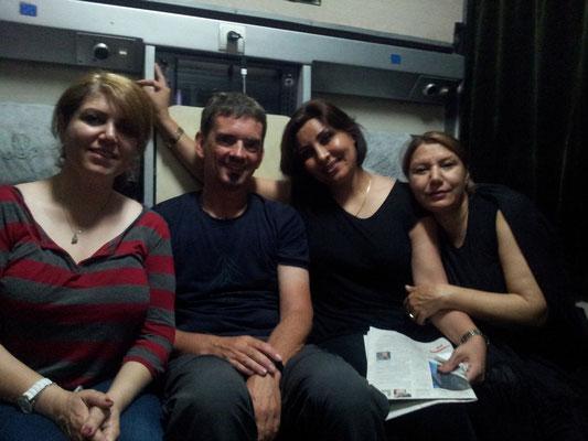 Mit den vier Damen habe ich eine schöne, interessante und auch lustige Zeit verbracht auf der Fahrt nach Mashad...