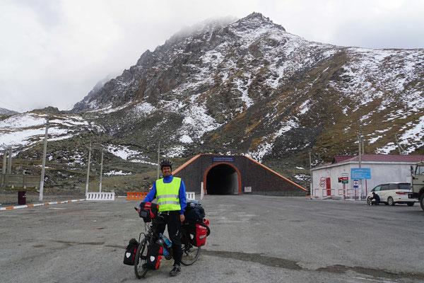 """Auf dem Pass HINTER dem """"bösen"""" Tunnel..."""