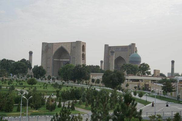 Mausoleum neben dem Basar
