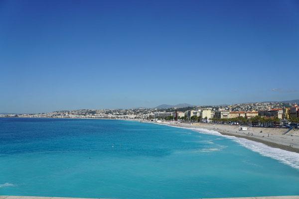Es ist halt schon genial schön, hier unten in Nizza und an der Côte d'Azur - und das Meer macht der Côte d'Azur alle Ehre...