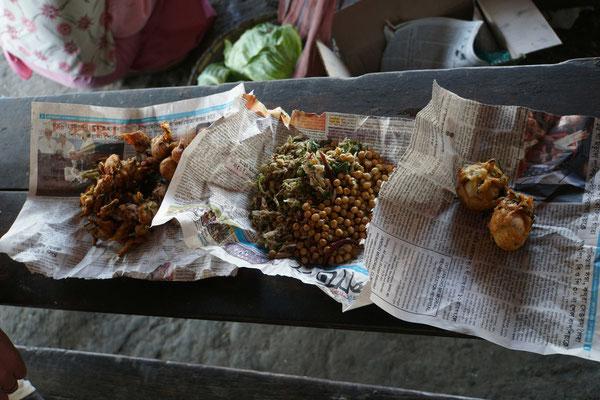"""Unser Mittagessen - frisch angerichtet auf """"indischen Porzellan""""..."""