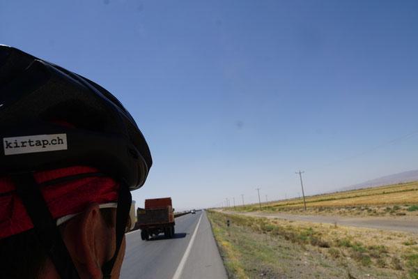 Endlose Weiten auf dem Weg nach Bajgiran...
