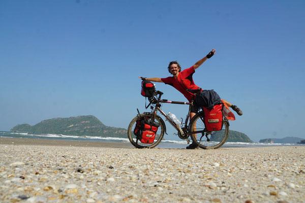 Passpartu und Kirtap am einsamen Strand angekommen...
