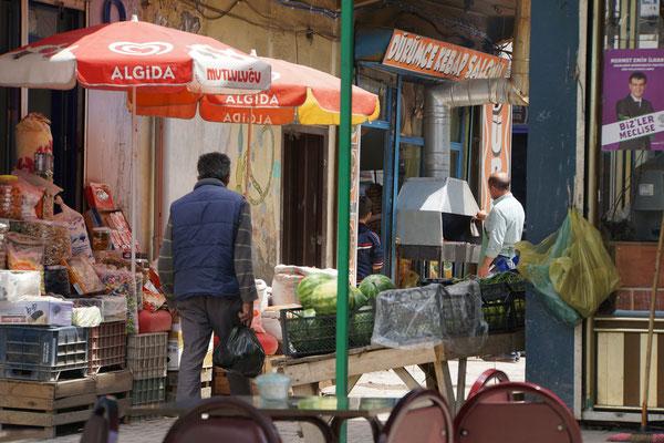 Kleine Läden, fliegende Händler...