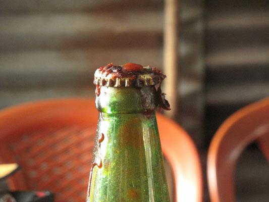 ©www.weltradeln.de - Die Ketchupflaschen - man stumpft ab auf der Reise, meinte mein Radlerfreund Emil in Kirgistan... - und irgendwann ist es dann einfach normal...