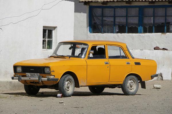 Autos in Alichur - uralt - klapprig - aber sie funktionieren...!