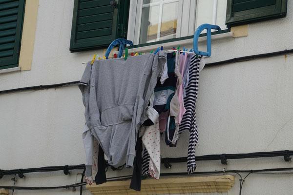 Portalegre  - da weiss dann die ganze Stadt, was Frau drunter trägt...