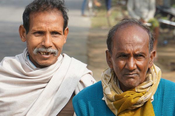 Zwei Inder auf der Strasse...